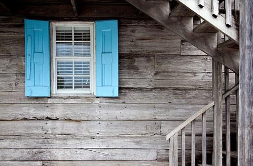 shutters-669296__340